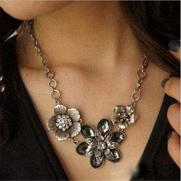 PEAPIX3 New Fashion Vintage Crystal Flower Silver Chain Statement Bib Necklace Jewelry (Color: Silver) = 1946462596