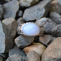 Blue Mist Chalcedony Ring with Crosshatch Texture in Sterling Silver // vintage sterling gemstone jewelry, Vintage White Gemstone Ring