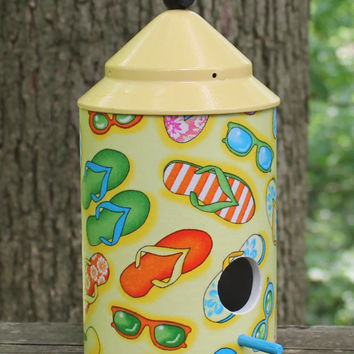 Flip Flops Birdhouse by BFG.  Great Spring and Summer Colors.  A Gift Perfect to Brighten Someones Day.  Great Indoor Beach Decor