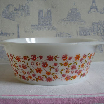 Large vintage oven dish, salad bowl , scania pattern arcopal , pyrex