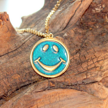 Retro 1960 Dont Worry Be Happy Smiley Necklace