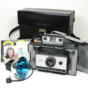 Vintage 1960-70s Polaroid 320 Land Camera Set with Flash and Bulbs - comes with leather case and manual - great vintage condition