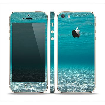 The Under The Sea V3 Scenery Skin Set for the Apple iPhone 5s