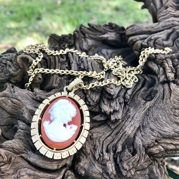 """Vintage Costume Gold Tone Cameo 24"""" Matinee Necklace"""