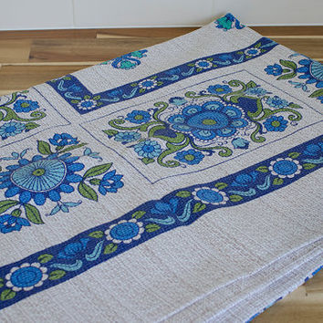 Vintage 1970s Retro Pattern Table Cloth