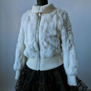 Vintage Ivory White Rabbit Fur Bomber Jacket with Leather Trim Knit Cuffs Zip Front Snow Bunny Size Medium Wilsons Leather