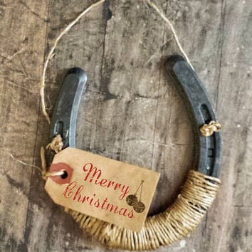 MERRY CHRISTMAS Horseshoe Sign,  Good Luck Horsehoe Sign, HOLIDAY Gift, Country Decor, Wrapped in Twine, Horseshoe Gift, Made To Order