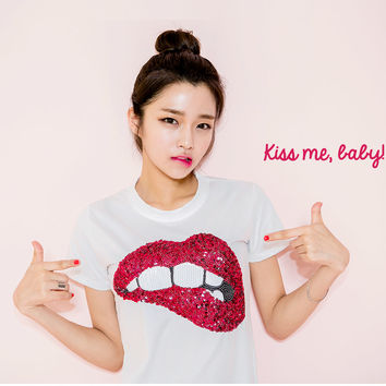 Lips Sequin T-Shirt - I know you wanna kiss me. Thank you for visiting CHUU.