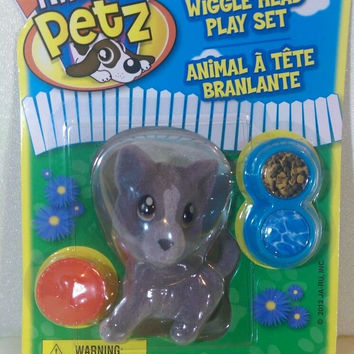 Puppy Dog Wiggle Head Play Set Tiny Petz New in package 4+