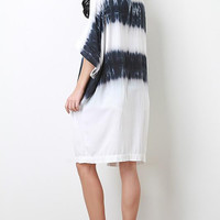 Stripe Tie Dye Kimono Color: White-navy, Size: One Size
