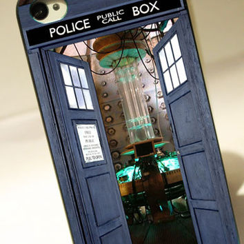 Open the Door Tardis Doctor Who   for iPhone 4/4S by OXFORDINCASE