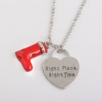 RJ New Design How I Met Your Mother Red Boots & Heart Right Place Right Time Necklaces Alice in Wonderland Gril Necklace Gift