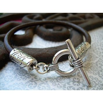 Mens Brown Toggle Clasp Leather Bracelet  Urban Survival Gear USA TSB08T