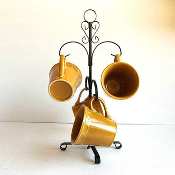 Vintage Retro Mug / Cup Tree & FOUR Harvest Gold cups, kitchen, kitchen ware, 1970's, scalloped edge coffee or teacups