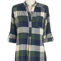 ModCloth Vintage Inspired Long 3 Bonfire Stories Tunic in Green Plaid