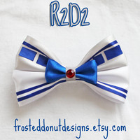 R2D2 Star Wars Inspired Bow!