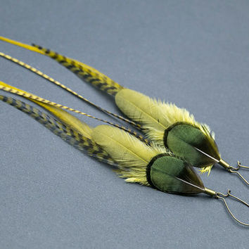 Emerald green feathers earrings: Made with Real Feathers. Organic Jewelry, Iridescent green, Olive green, Natural feathers Jewellery,