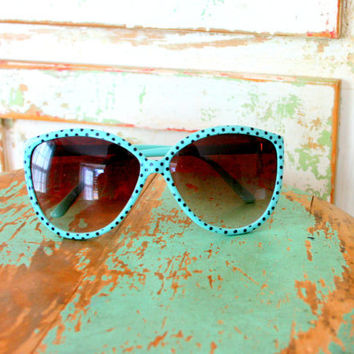 1980s BABY BLUE DOTS Sunglasses....blue. polka dots. eyewear. women. retro accessories. black dots. kitsch. summer. eye glasses. 80s glam.