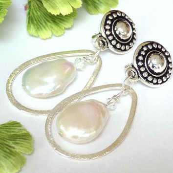 Dangle Clip Earrings, Silver Earrings, Baroque Pearl Earrings, Handcrafted Jewelry, Teardrop Earrings for Women, Trendy Earrings