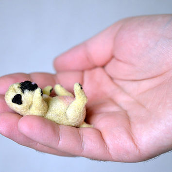 Needle felted little sleeping pug puppy. Tiny cute dog. Miniature animal. Sweet gift. Small toy.