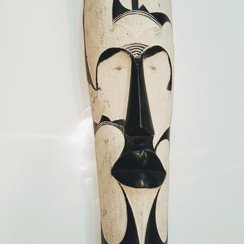 "25"" African Gabon Cameroon Wood Fang Mask: Black and White"