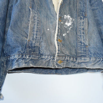 DESTROYED 70s DENIM JACKET // size adult x large// 1970s // faded // jean jacket // shearling // worn / lee storm rider / western / vintage!