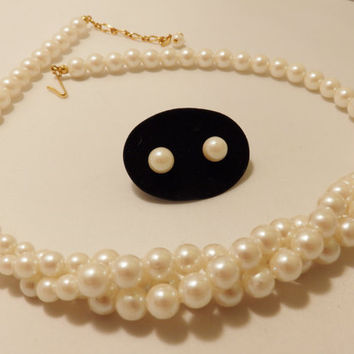 Vintage Avon White Faux Pearl Necklace and Earring Jewelry Set