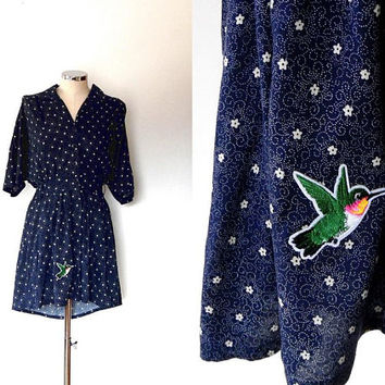 Dark blue flower dress / white / colourful / humming bird / embroidered / embellished / vintage / 40s style / button up / cotton shirt dress