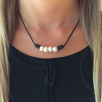 Leather freshwater pearl necklace - leather - pearl necklace - freshwater pearls