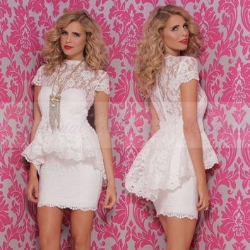 Robe de cocktail 2017 White Lace Cocktail Dresses with Sleeves High Neck Sheath Peplum Short Party Gowns Vestido de festa curto