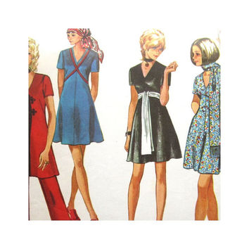 Vintage Pattern Simplicity 9149 Misses Mini Dress Pants and Scarf Size 12 1970s