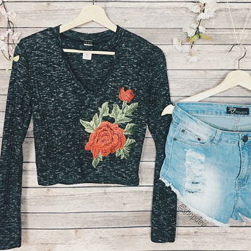 Nicole Floral Embroidered Knit Top (Black)