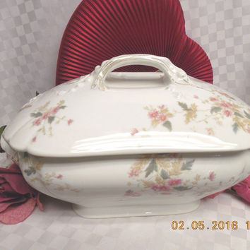 Tressemanes  Vogt Lilly China Dinnerware Limoges Large Soup Tureen