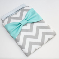 iPad Case / Sleeve - Gray Chevron Stripes with Turquoise Bow - Padded