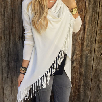 White  Drape Long Sleeves Assymetric Fringed Top