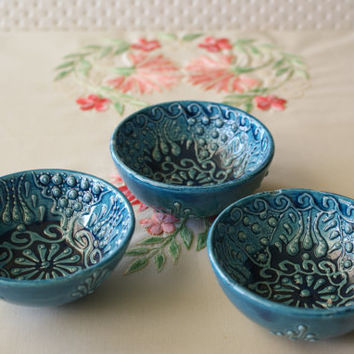 Turquoise Coloured Embossed Ceramic Bowls (Set of 3)