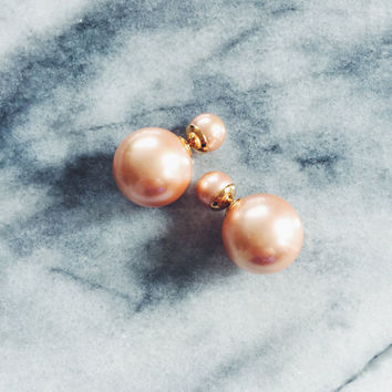 Double Pearl Earring in Champagne Pink