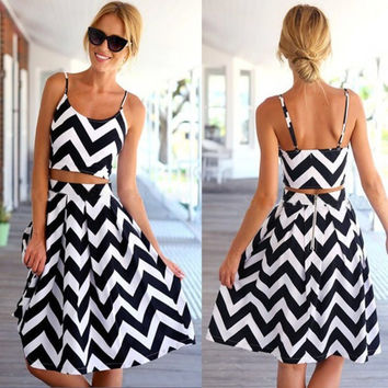 HOT BLACK WHITE GRAIN TWO PIECE DRESS
