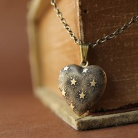Seeing Stars - Mini Heart Locket Necklace with sweet Stars Pattern