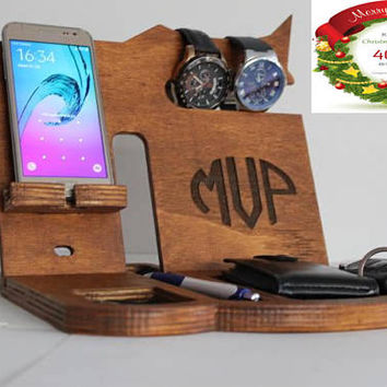 Father's Day gift Personalized Oak docking station, Christmas Gifts for Him, Charging Statioon, Dad Birthday Gifts,  Husband Christmas Gift