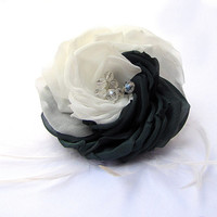 Black  and White Bridal Flower Hair Comb/Headband/Alligator Clips/Brooch. Silk Flowers for Hair with Cristal, Wedding Dress Accessory.