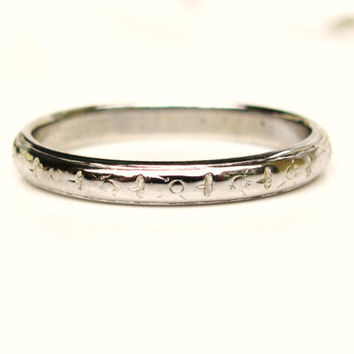 Art Deco Wedding Band Antique Belaise Wedding Ring Floral Detailing 18K White Gold Stacking Ring Vintage Bridal Jewelry Size 6