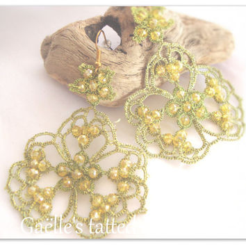 Lace earrings, lace tatted lime green earrings, original design metallic thread earrings with yellow crystals, handmade in Italy
