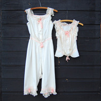 Antique Victorian Blouse / Chemise Under Garments XS, White Pink Cotton Lace Camisole, French Knickers, Edwardian Cotton Romper 2 Piece Set