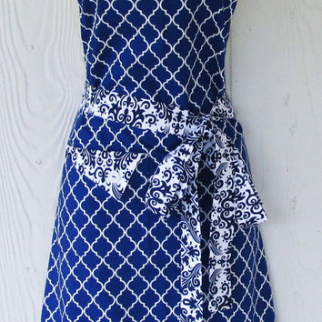 Navy and White Apron, Retro Style Apron, Damask, Quatrefoil Print, Women's Full Apron, Vintage Inspired, KitschNStyle
