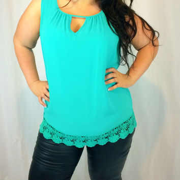 Women's Curvy Turquoise Breeze Top in Plus Sizing