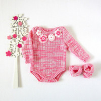Knitted ribbed Onesuit in blended pink with felt flowers. Warm legs. 100% wool. READY TO SHIP size newborn.