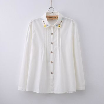 Casual White Blouse Women Cotton White Shirt Embroidery Floral Peter Pan Collar Long Sleeve Tops blusas femininas T59008