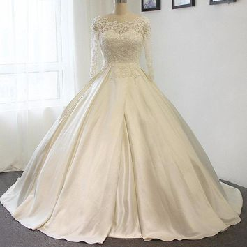 Custom made Royal Lace up Ball Gown Wedding Dress Luxury Wedding Gown Bridal Gown