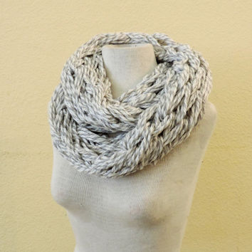 Knit Infinity scarf, White grey gray knitted chunky scarf, hand knitted scarf, loop scarf, knitted scarves, thick winter scarf